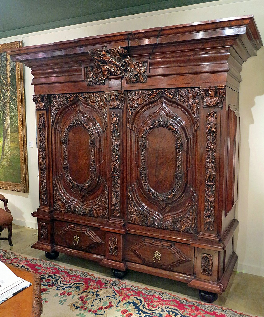A North German Walnut Kas - A North German Walnut Kas Le Trianon Antiques